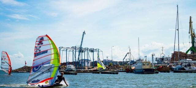 Roomassaares peeti Eesti meistrivõistlused kolmes purjelauaklassis - lisatud VIDEO
