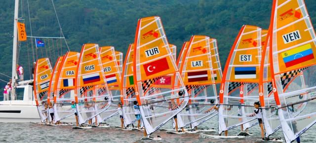 Nanjingis jätkuvatel II noorte suveolümpiamängudel alustati purjelaua kvalifikatsioonisõitudega
