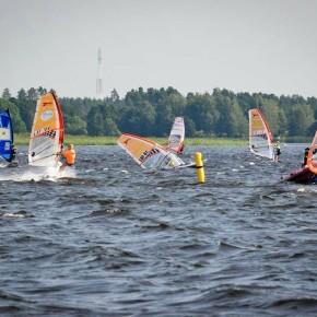 Noored purjelaudurid külastasid Läti purjetamise meistrivõistlusi